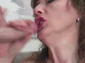 closeup mature mother opens her warm pussy for son casting i