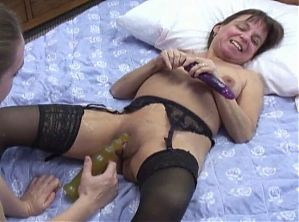 midget mature wife - amateur sex with young girl