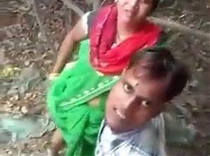 Hindu boy ne apni Mumm ko chod te huye pakra gaya